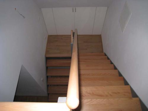 Straubinger Str. 7 Treppe nach unten