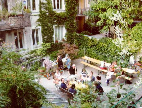 Breisacher Str. 17  Hofbegruenung