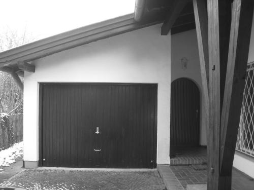Dr-Max-Str.6 bestand garage