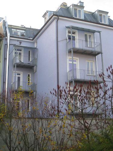 Fasaneristr. 3c Balkone Rueckseite