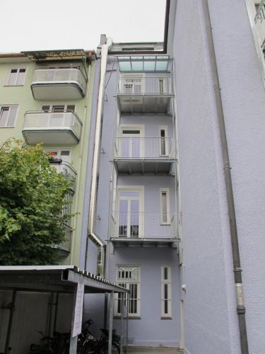 Fasaneristr. 3c Balkonturm Eck