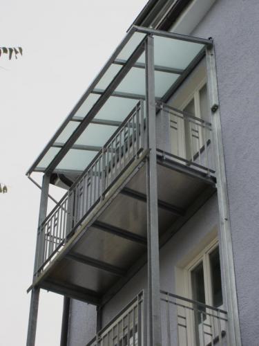 Fasaneristr. 3c Balkonturm Hof OG