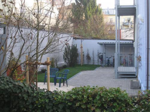 Fasaneristr. 3c Hof mit Balkon