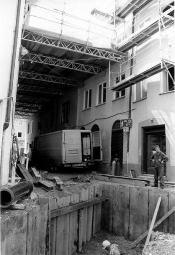 Kaiser-Max-Str. 16 u Schlosserhalde 1 vor der Sanierung Grube vo rHaus