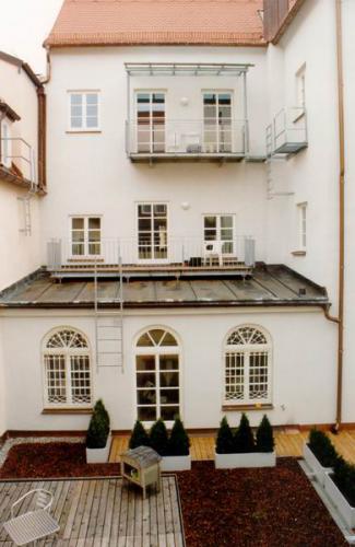 Kaiser-Max-Str. 18 VG  Ansicht vom Hof1
