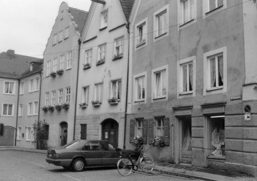 Kaiser-Max-Str. 18 RG  vor der Sanierung