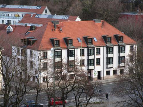 Mariahilfplatz 4 - Hotel