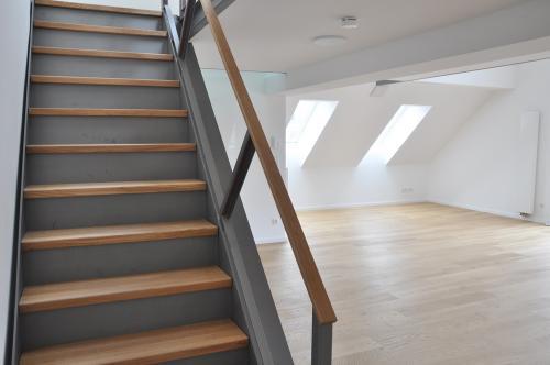Planegger Str. 45 Treppe ins DG