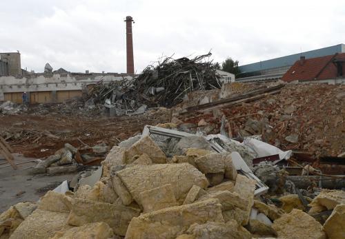 Teilabbruch der ehemaligen Fabrik 2008 - Abbruchkante Halle