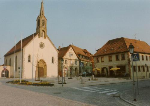 Oberer Markt Platz vor Kirche