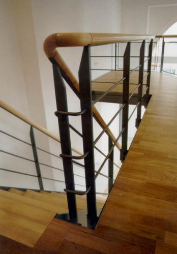 Fuggerstr. 1 Handlauf Stahltreppe